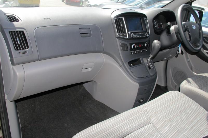 HYUNDAI ILOAD  TQ4 Van Crew Cab 6st 5dr Auto 5sp 2.5DT [MY19]
