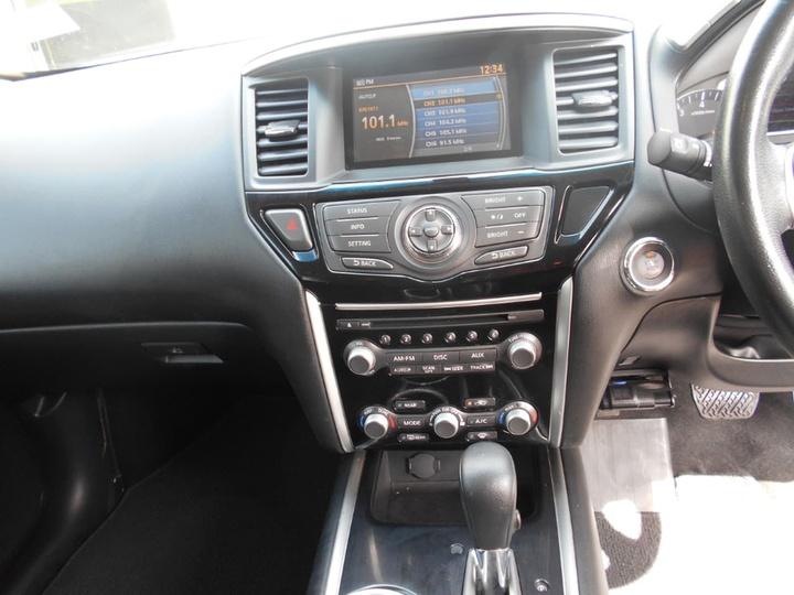 NISSAN PATHFINDER ST R52 ST Wagon 7st 5dr X-tronic 1sp 2WD 3.5i [MY14]
