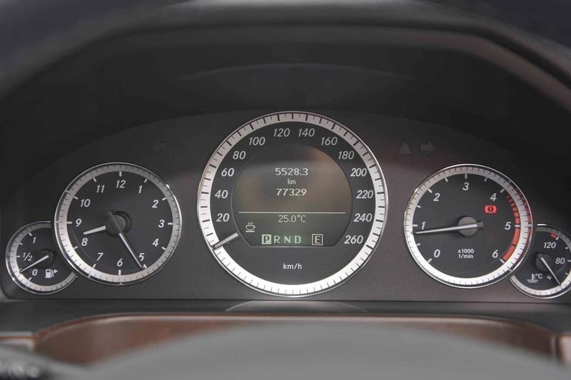 MERCEDES-BENZ E220 CDI BlueEFFICIENCY W212 BlueEFFICIENCY Avantgarde Sedan 4dr Spts Auto 5sp 2.1DTT