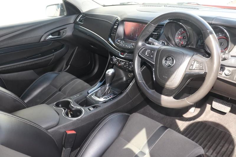 HOLDEN COMMODORE SV6 VF Series II SV6 Sedan 4dr Spts Auto 6sp 3.6i [MY17]