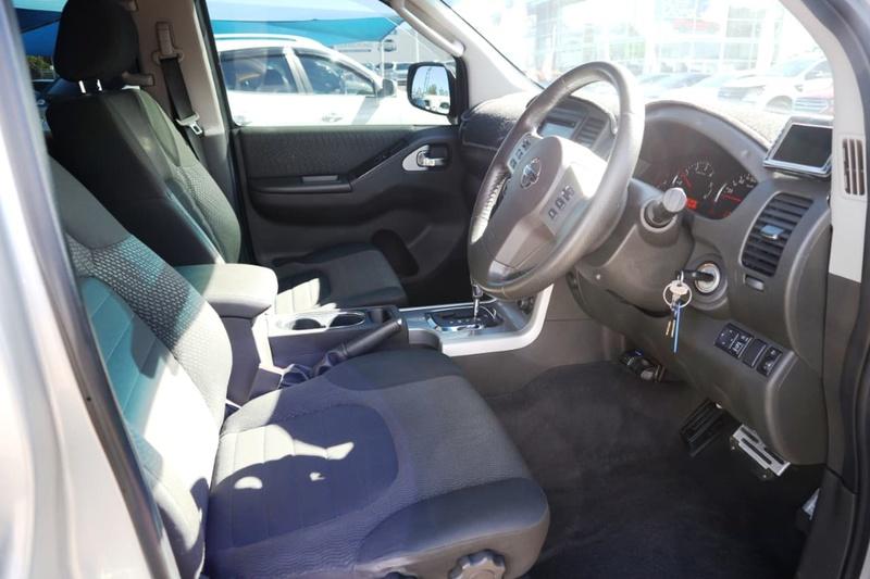 NISSAN NAVARA ST-X D40 Series 5 ST-X 550 Utility Dual Cab 4dr Spts Auto 7sp 4x4 3.0DT