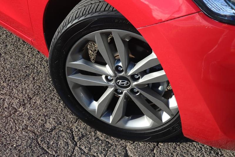 HYUNDAI I30 SR GD4 Series II SR Hatchback 5dr Spts Auto 6sp 2.0i [MY17]