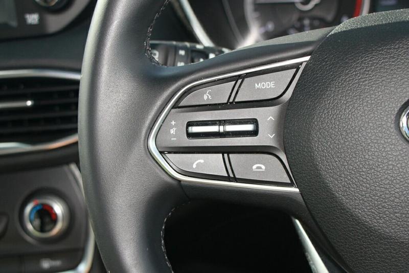 HYUNDAI SANTA FE Active TM Active Wagon 7st 5dr Spts Auto 8sp 4x4 2.2DT [MY19]