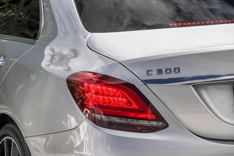 MERCEDES-BENZ C300  W205 Sedan 4dr 9G-TRONIC 9sp 2.0T [Dec]
