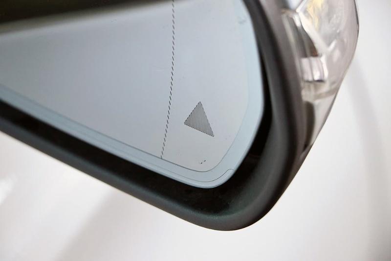 MERCEDES-BENZ C250  W205 Sedan 4dr 7G-TRONIC + 7sp 2.0T [May]