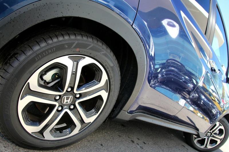 HONDA HR-V VTi-L VTi-L. Hatchback 5dr CVT 1sp 1.8i (5yr warranty) [MY17]