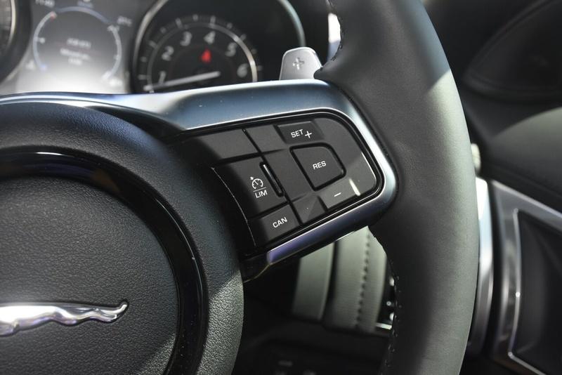 JAGUAR F-TYPE R-Dynamic X152 R-Dynamic 280kW Coupe 2dr Quickshift 8sp RWD 3.0SC [MY18]