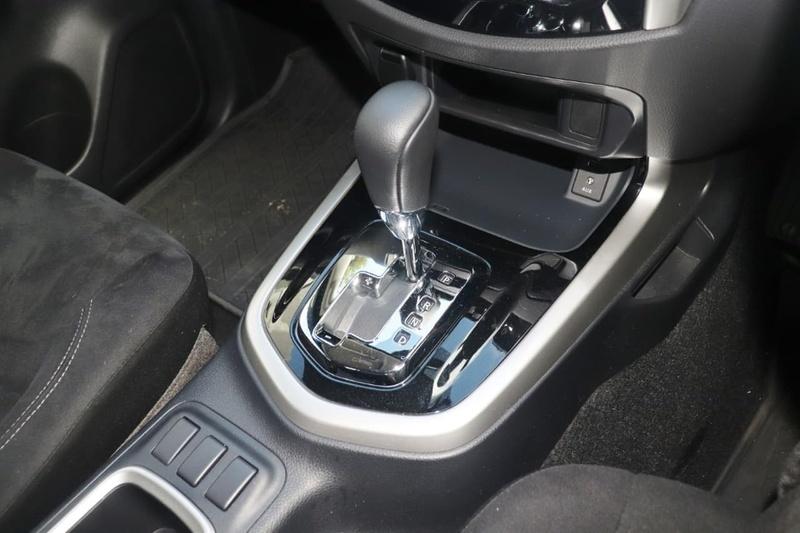 NISSAN NAVARA ST D23 Series 2 ST Utility Dual Cab 4dr Spts Auto 7sp 4x2 2.3DTT
