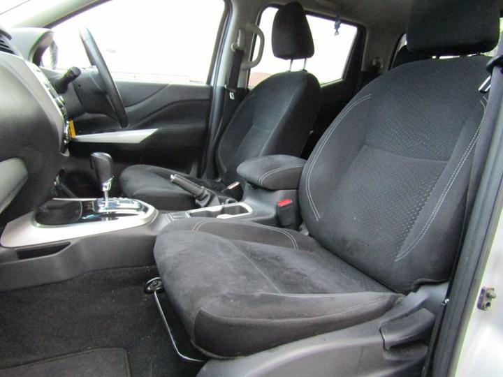 NISSAN NAVARA ST D23 Series 2 ST Utility Dual Cab 4dr Spts Auto 7sp 4x4 2.3DTT [Sep]