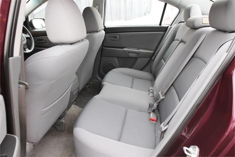 MAZDA 3 Neo BK Series 2 Neo Sedan 4dr Man 5sp 2.0i [Jul]