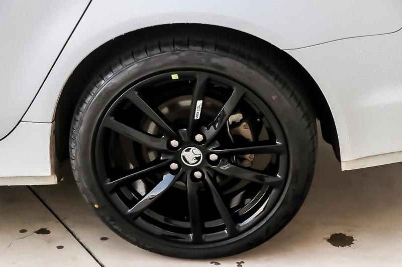 HOLDEN COMMODORE SV6 VF Series II SV6 Sportwagon 5dr Spts Auto 6sp 3.6i [MY17]