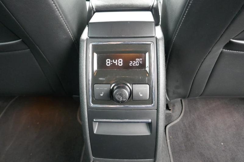 SKODA SUPERB Elegance 3T Elegance 125TDI Sedan 4dr DSG 6sp 2.0DT [MY11]