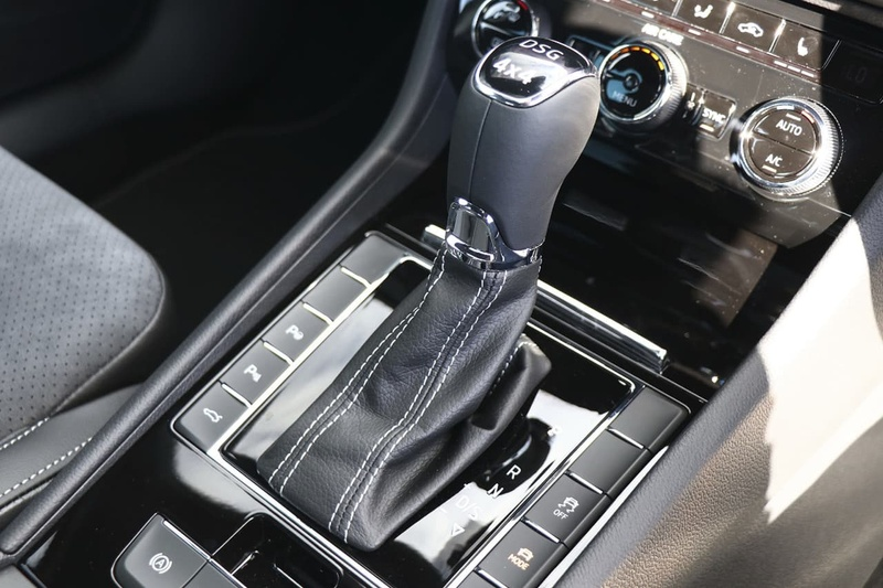 SKODA SUPERB 206TSI NP 206TSI SportLine Sedan 5dr DSG 6sp 4x4 2.0T [MY18]