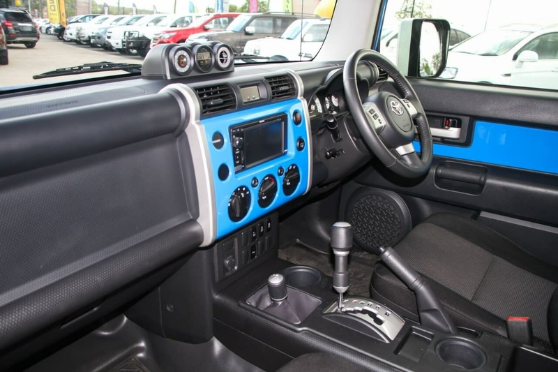 TOYOTA FJ CRUISER  GSJ15R Wagon 5dr Auto 5sp 4x4 4.0i [Jan]
