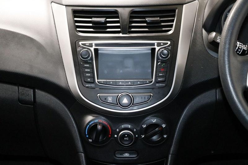 HYUNDAI ACCENT Active RB3 Active Hatchback 5dr CVT 6sp 1.4i (CD Player) [MY16]