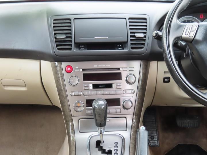 SUBARU OUTBACK Premium Pack 3GEN Premium Pack. Wagon 5dr Spts Auto 4sp AWD 2.5i [MY06]