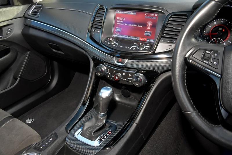 HOLDEN COMMODORE SV6 VF SV6 Sedan 4dr Spts Auto 6sp 3.6i [MY15]