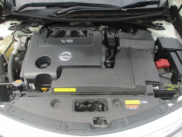 NISSAN ALTIMA Ti-S L33 Ti-S Sedan 4dr X-tronic 1sp 3.5i