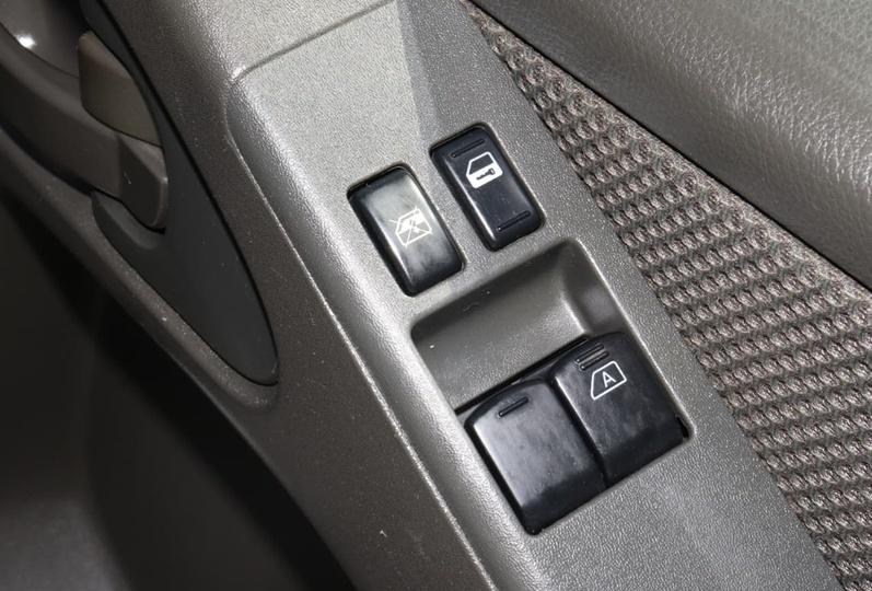 NISSAN NAVARA RX D40 Series 6 RX Cab Chassis King Cab 4dr Man 6sp 4x4 2.5DT