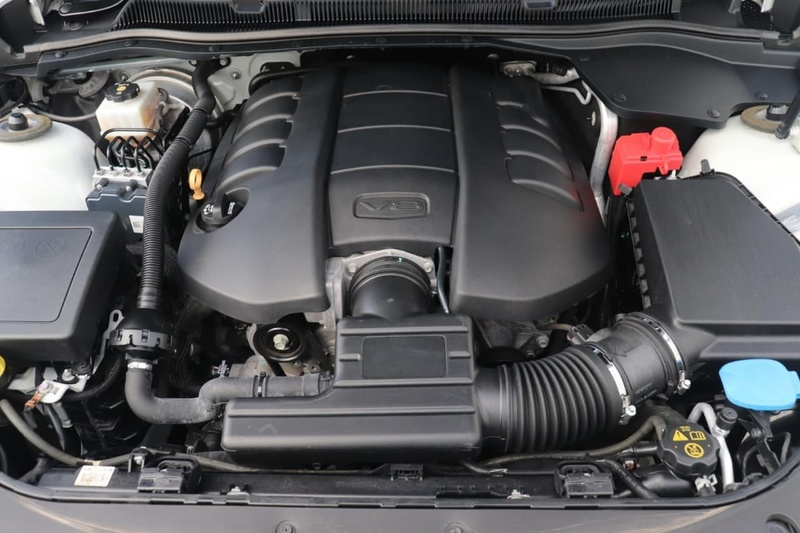 HOLDEN COMMODORE SS V VF Series II SS V Sedan 4dr Spts Auto 6sp 6.2i [MY16]