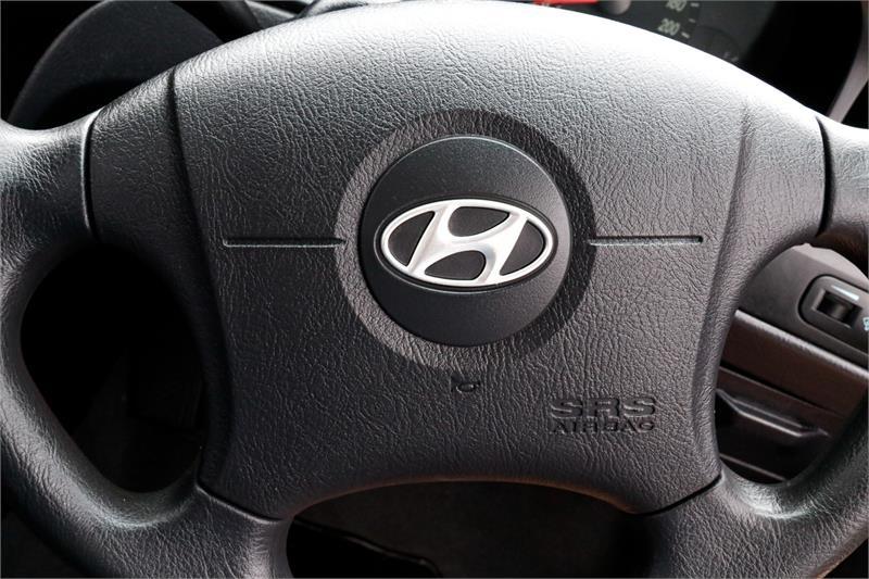 HYUNDAI ELANTRA  XD Hatchback 5dr Auto 4sp 2.0i [MY05]