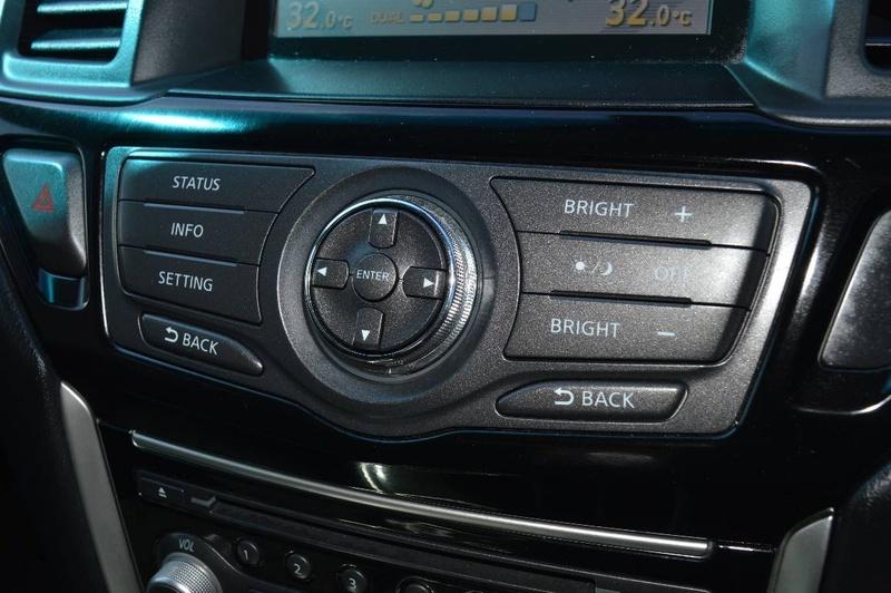 NISSAN PATHFINDER ST R52 ST Wagon 7st 5dr X-tronic 1sp 4WD 3.5i [MY15]