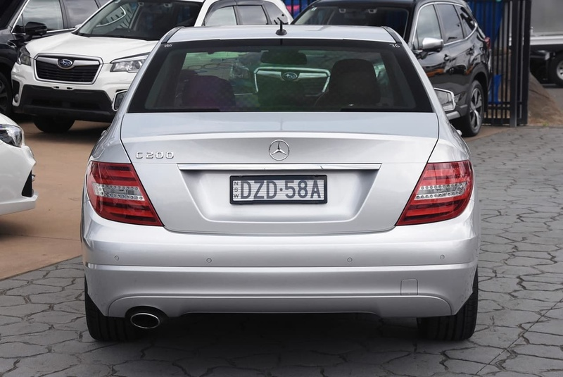 MERCEDES-BENZ C200 BlueEFFICIENCY W204 BlueEFFICIENCY Sedan 4dr 7G-TRONIC + 7sp 1.8T [MY12]