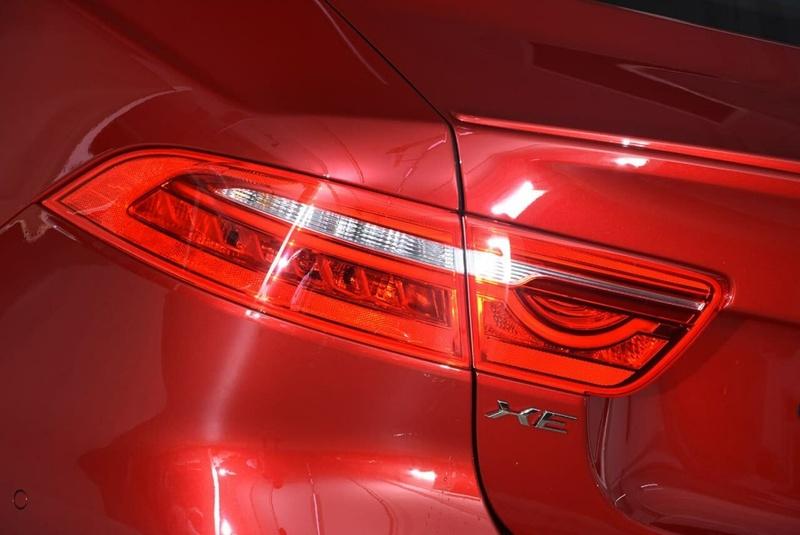 JAGUAR XE 30t X760 30t R-Sport Sedan 4dr Spts Auto 8sp 2.0T [MY18]