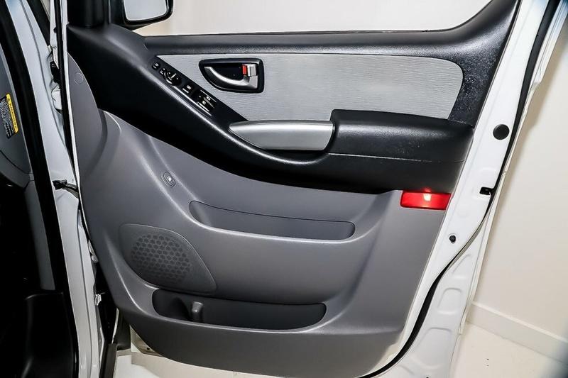 HYUNDAI IMAX  TQ3-W Series II Wagon 8st 5dr Auto 5sp 2.5DT [MY16]