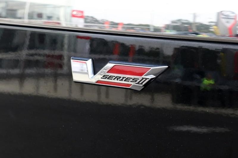HOLDEN COMMODORE SS V VF Series II SS V Redline Sportwagon 5dr Spts Auto 6sp 6.2i [MY16]