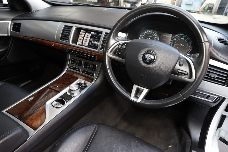 JAGUAR XF Premium X250 Premium Luxury Sedan 4dr Spts Auto 8sp 2.0T [MY14]