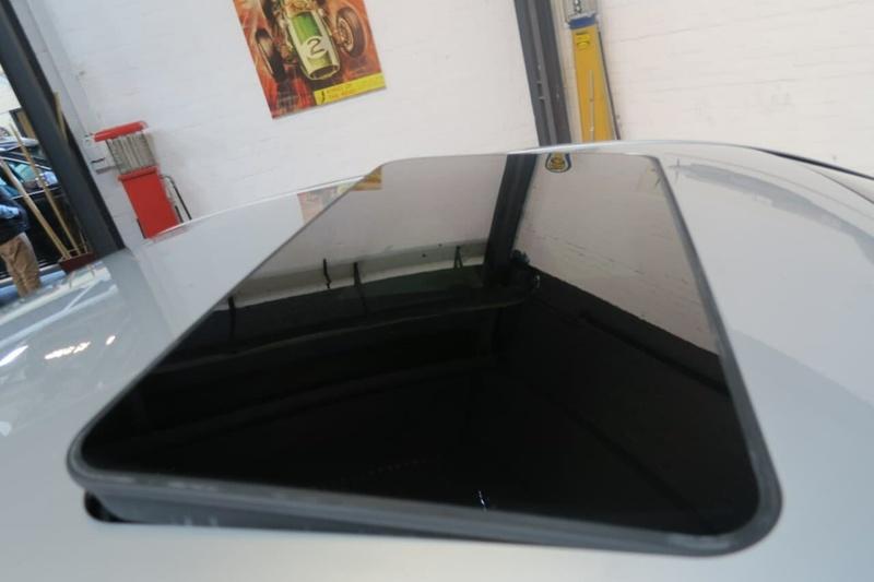 MERCEDES-BENZ E250 CGI Avantgarde W212 Avantgarde Sedan 4dr Spts Auto 5sp 1.8T
