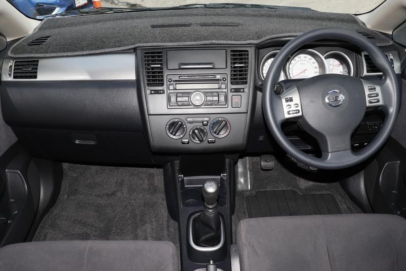 NISSAN TIIDA ST C11 S3 ST Hatchback 5dr Man 6sp 1.8i