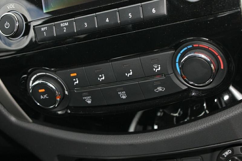 NISSAN NAVARA SL D23 Series 3 SL Utility Dual Cab 4dr Spts Auto 7sp 4x4 2.3DTT