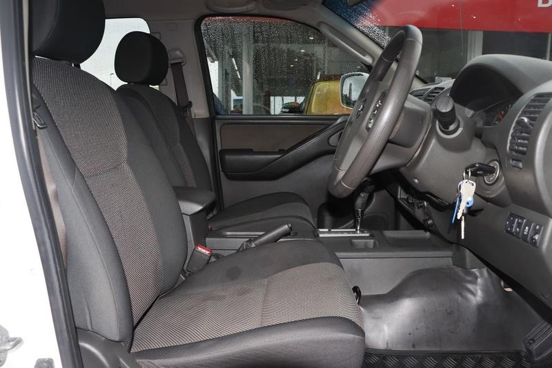 NISSAN NAVARA RX D40 Series 7 RX Cab Chassis Dual Cab 4dr Auto 5sp 4x4 2.5DT