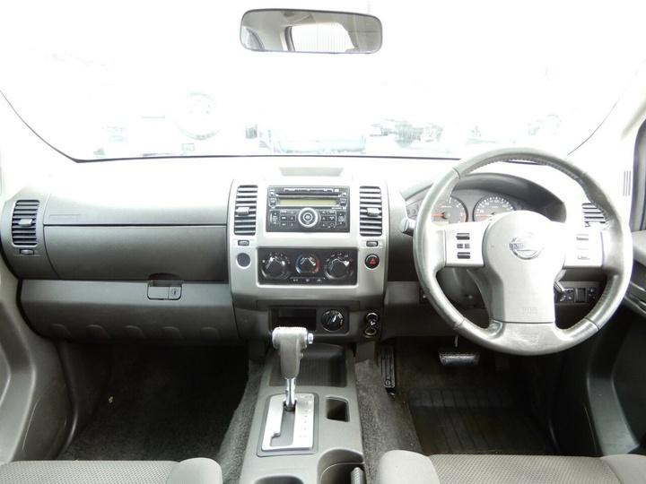 NISSAN NAVARA ST D40 ST Utility Dual Cab 4dr Auto 5sp 4x4 2.5DT