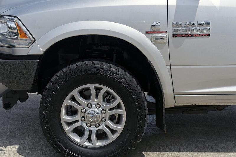 DODGE 3500 Laramie Laramie Utility Crew Cab Short Box 6st 4dr Auto 6sp 4x4 6.7DT [MY16]
