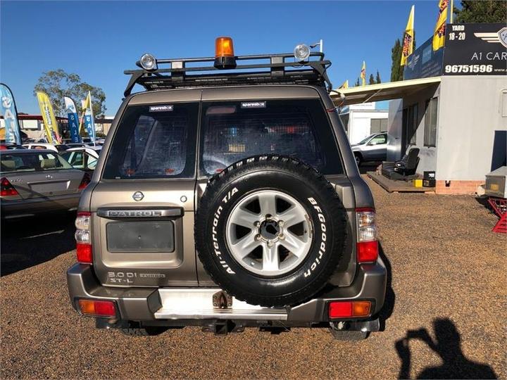 NISSAN PATROL ST-L GU III ST-L Wagon 7st 5dr Man 5sp 4x4 3.0DT [MY03]