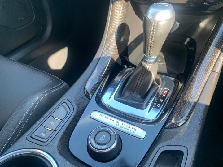 HOLDEN SPECIAL VEHICLES SENATOR Signature GEN-F2 Signature Sedan 4dr Spts Auto 6sp 6.2SC [MY16]
