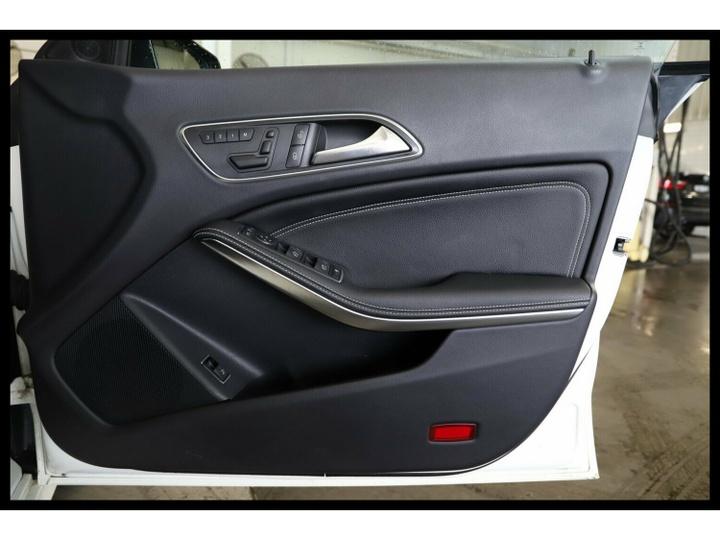 MERCEDES-BENZ CLA200 CDI  C117 Coupe 4dr DCT 7sp 1.8DT (Jun) [Feb]