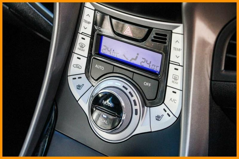 HYUNDAI ELANTRA Premium MD Premium Sedan 4dr Spts Auto 6sp 1.8i