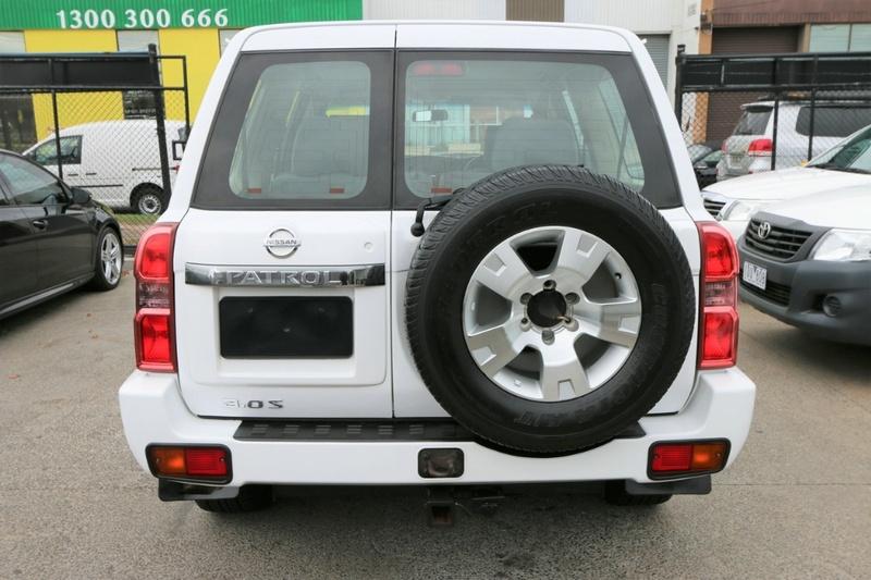 NISSAN PATROL ST GU 7 ST Wagon 7st 5dr Auto 4sp 4x4 3.0DT [MY10]