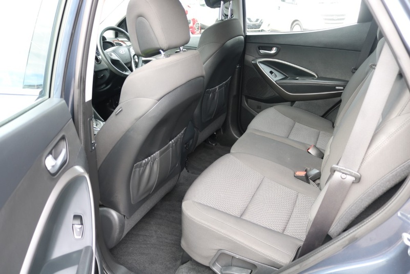 HYUNDAI SANTA FE Active DM4 Series II Active Wagon 7st 5dr Spts Auto 6sp 4x4 2.2DT [MY18]