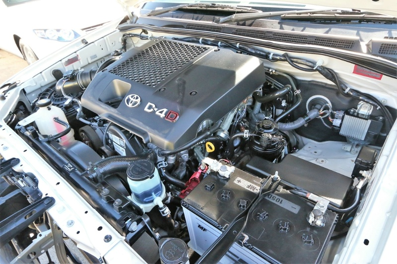 TOYOTA HILUX SR KUN16R SR Utility Double Cab 4dr Man 5sp 4x2 3.0DT [MY12]