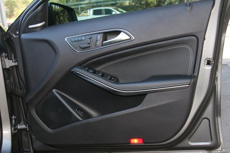MERCEDES-BENZ GLA180  X156 Wagon 5dr DCT 7sp 2.1DT [Apr]