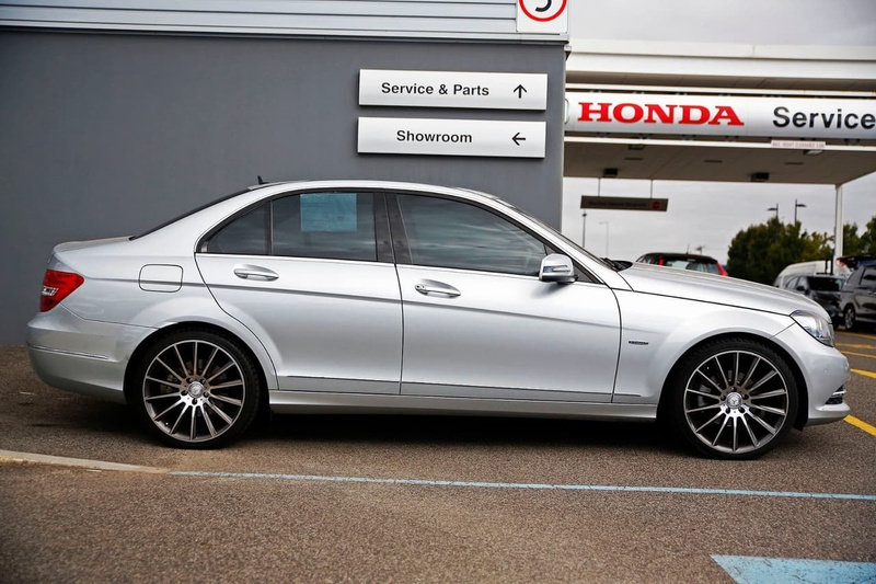 MERCEDES-BENZ C200 BlueEFFICIENCY W204 BlueEFFICIENCY Avantgarde Sedan 4dr 7G-TRONIC + 7sp 1.8T [MY11]