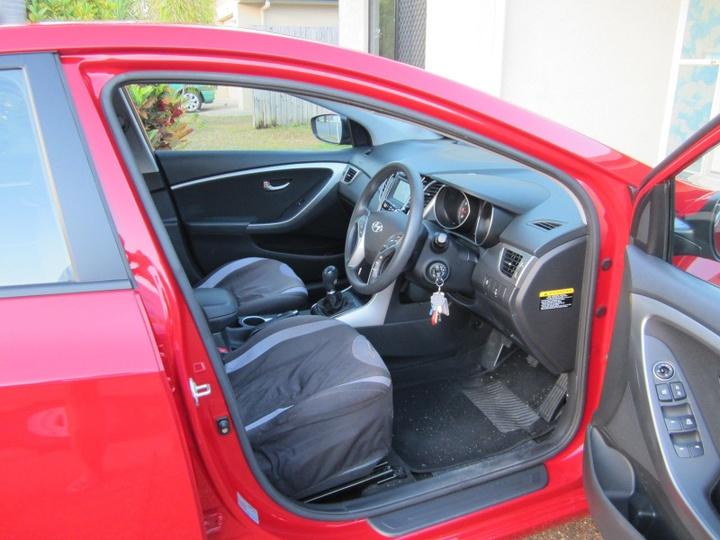 HYUNDAI I30 Active GD2 Active Hatchback 5dr Man 6sp 1.8i [MY14]