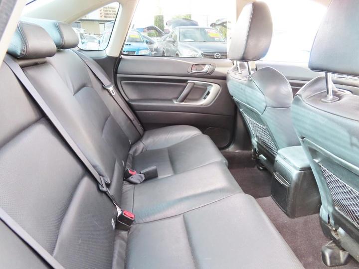 SUBARU LIBERTY Premium Pack 4GEN Premium Pack. Sedan 4dr Spts Auto 4sp AWD 2.5i [MY07]