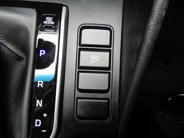 HYUNDAI TUCSON Active TLe Active Wagon 5dr Spts Auto 6sp 2WD 2.0i (MPI)