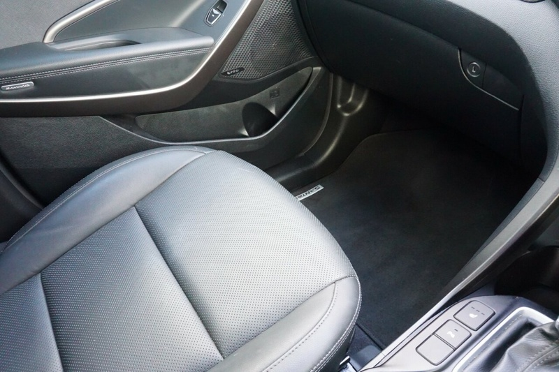 HYUNDAI SANTA FE Elite DM3 Series II Elite Wagon 7st 5dr Spts Auto 6sp 4x4 2.2DT [MY16]